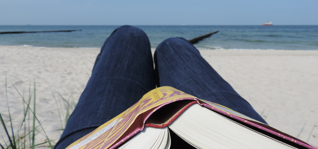lesen am Nordseestrand ist Entspannung pur