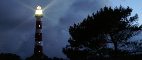 Leuchturm in der Nacht